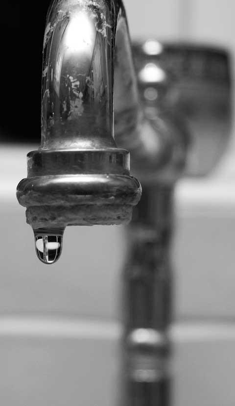 Dripping Taps Services | Arya Plumbing & Gas